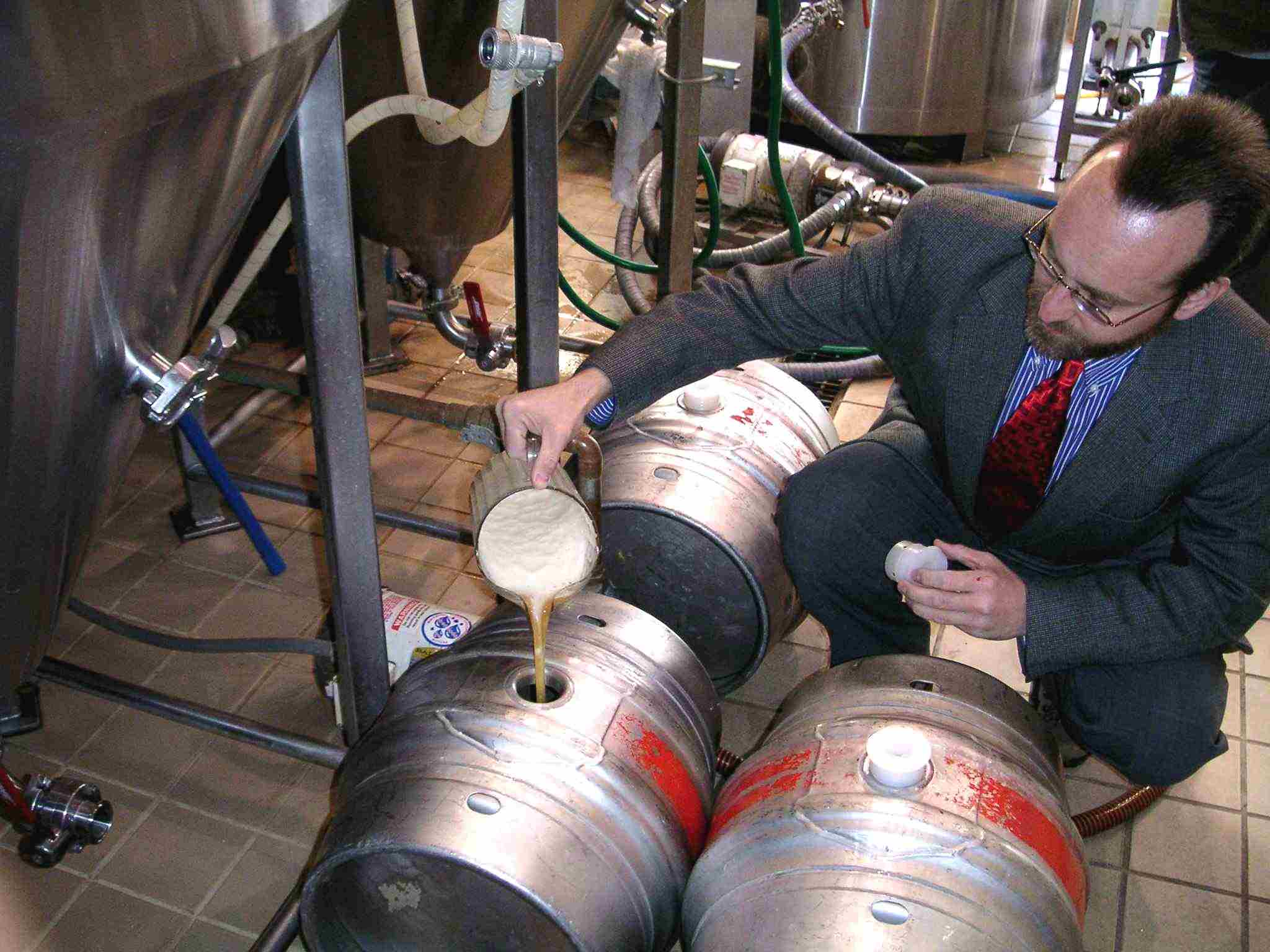 Thomas Cizauskas: priming casks at Brewers Alley, Frederick, Md., February 2004